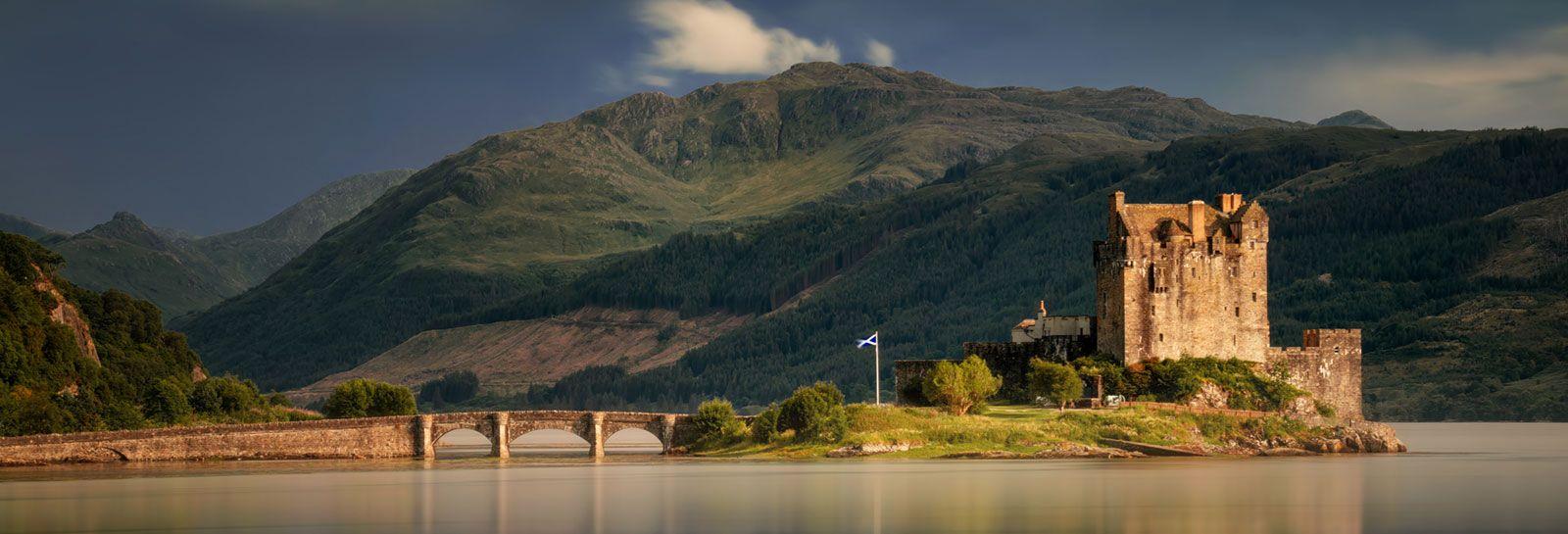 Eilean Donan Castle banner image